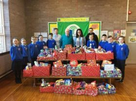 Eco-Committee donate hampers to St Vincent de Paul